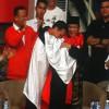 Persembahkan Emas, Pesilat Hanifan Yudani Kusumah Peluk Presiden Jokowi dan Prabowo