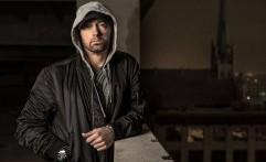 Eminem Sumbangkan Uang Perkara untuk Korban Badai
