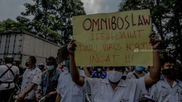 Satgas Belum Gunakan UU Kekarantinaan Buat Larang Buruh Demo