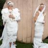 Pakai Dress Berbahan Tisu Toilet, Paris Hilton Tetap Stylish