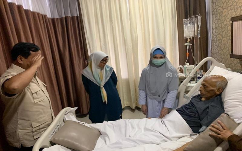 Kunjungi RSPAD, Prabowo Jenguk Jenderal (Purn) George Toisutta yang Terbaring Sakit