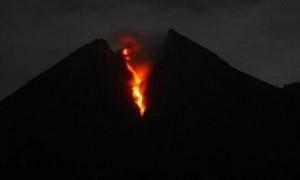 Gunung Merapi di DIY Luncurkan Lava Sejauh 870 Meter