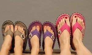 Ini nih Bahayanya Keseringan Pakai Sandal Jepit