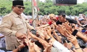 Pekik 'Prabowo-Sandi Pemimpin Rakyat' Bergelora di Medan