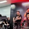 Menhub Budi Karya Tampil Bersama Padi Reborn di Stasiun MRT