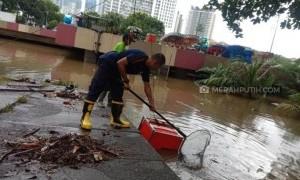 Tak Kunjung Surut, Underpass Kemayoran Masih Terendam Air Setinggi 5 Meter