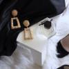 3 Tips Tampil Elegan di Acara Formal