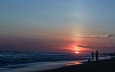 Pengunjung Pantai Parangtritis Wajib Pakai Masker