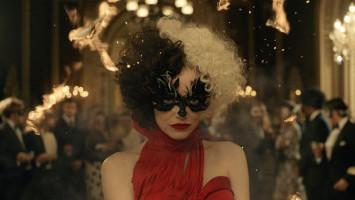 Tayang di Bioskop, 'Cruella' Tampilkan Karakter Hitam-Putih
