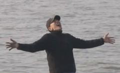 Tampil di Running Man, Lee Kwang-soo Malah Kabur ke Laut