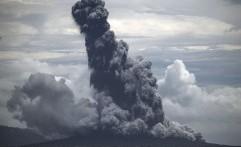BMKG: Anak Krakatau Masih Erupsi, Zona Waspadai Tsunami Radius 500 Meter