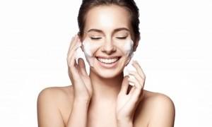 Bahaya yang Mengintai Kulit Jika Gemar Mengaplikasikan Berlapis-Lapis 'Skincare'