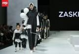 Yuk, Intip Busana Rancangan Zaskia Sungkar dalam Indonesia Fashion Week 2017