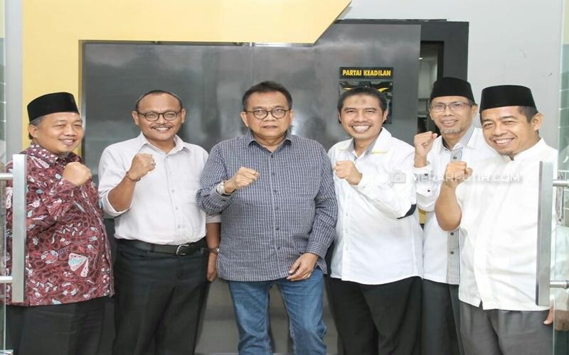 PKS-Gerindra Sepakat 11 Februari Dua Cawagub DKI Diserahkan ke Anies