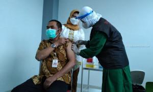 Vaksinasi Corona Lansia Dimulai, Wali Kota Solo Jadi Sasaran Pertama