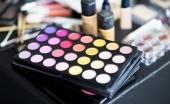 Yuk Tampil Cantik, Berikut Makeup Look yang Sedang Hits
