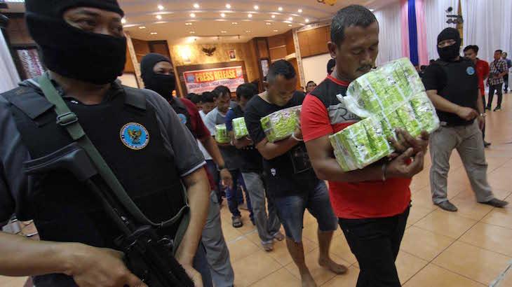 Inilah Mengapa Pantai Cermin Jadi Tempat Favorit Penyelundupan Narkoba Malaysia