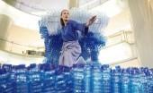 Perlu Enggak Sih Menghentikan Pemakaian Plastik? Begini Saran Bijak Nadine Chandrawinata