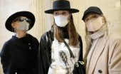 Masker, Aksesoris Wajib di  London Fashion Week 2020
