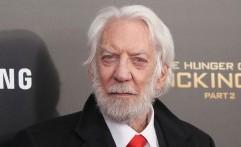 Donald Sutherland Terima Penghargaan Kehormatan Oscar
