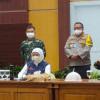 Gubernur Khofifah Bersama Risma dan Dua Bupati di Jatim Sepakat Berlakukan PSBB