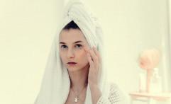 Penting, Ini Alasan Mengapa Kamu Perlu Memakai 'Skincare' Berbasis Vitamin