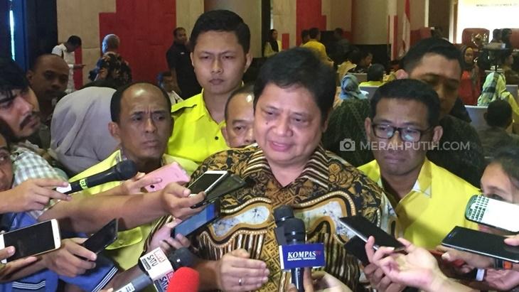Terungkap, Alasan Jokowi Izinkan Airlangga Hartarto Rangkap Jabatan