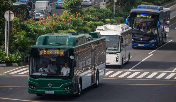 Anies akan Tambah Armada TransJakarta Bus Berbasis Listrik