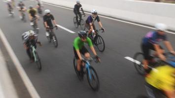 Karpet Merah untuk Pesepeda Road Bike di Jakarta, Pengamat: Langgar UU