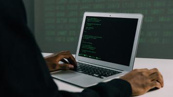 Pentingnya Literasi Keamanan Siber untuk Infrastruktur Teknologi Mumpuni