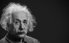 Tulisan Tangan Asli Albert Einstein Dilelang Seharga Rp 17 Miliar