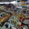 Sekat Plastik di Lapak Pedagang, Pasar Gede Solo Jadi Percontohan Prokes