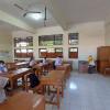 Kisah Orang Tua Mengantar Anak Sekolah di Tengah Pandemi
