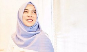 Fitri Tropica Ajak Perempuan Indonesia Enggak Minder di Era Digital