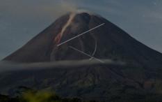 Gunung Merapi Alami 196 Kali Gempa Guguran