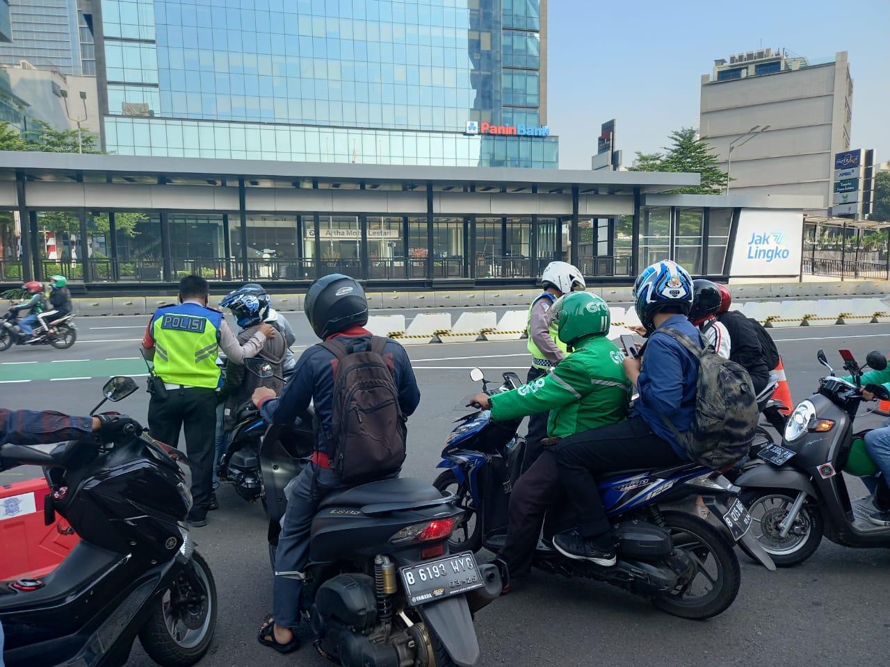 Ingat, Ini Sektor Yang Pegawainya Masih Bisa Ngantor di Jakarta