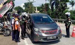Penyekatan Diperketat, Jumlah Kendaraan yang Coba Masuk Jakarta Alami Penurunan