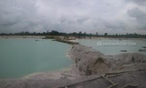 Keindahan Danau Kaolin, Saksi Bisu Eksploitasi Alam di Belitung
