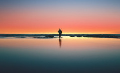 Tidak Aneh, Suka Ngomong Sendiri Ternyata Banyak Manfaatnya
