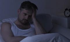 Bangun Di Tengah Malam, Tak bisa Tidur lagi. Apa Kata Pakar?