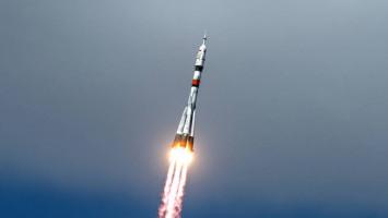 Astronot AS dan Kosmonot Rusia Berangkat ke Luar Angkasa di Tengah Pandemi COVID-19