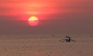 Pantai Lovina, Lumba-Lumba dan Pasir Hitam nan Eksotis