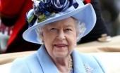 Ratu Elizabeth Terlihat Menunggangi Kudanya di Halaman Kastil Windsor