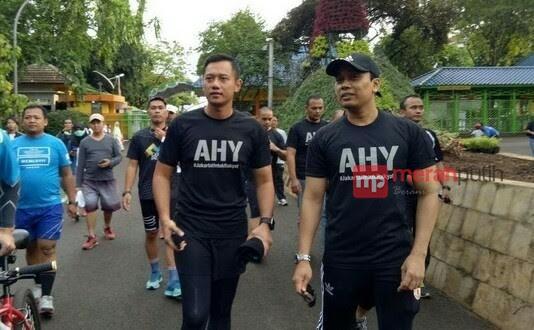 Kunjungi Palembang, AHY Diserbu Para Mahasiswa