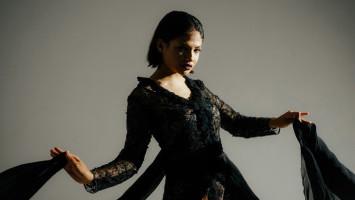 Sara Fajira Padukan Tiga Elemen Budaya dalam Single 'Tea & Beans'