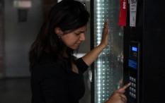 Latvia Perkenalkan Vending Machine Tes COVID-19 Pertama di Dunia