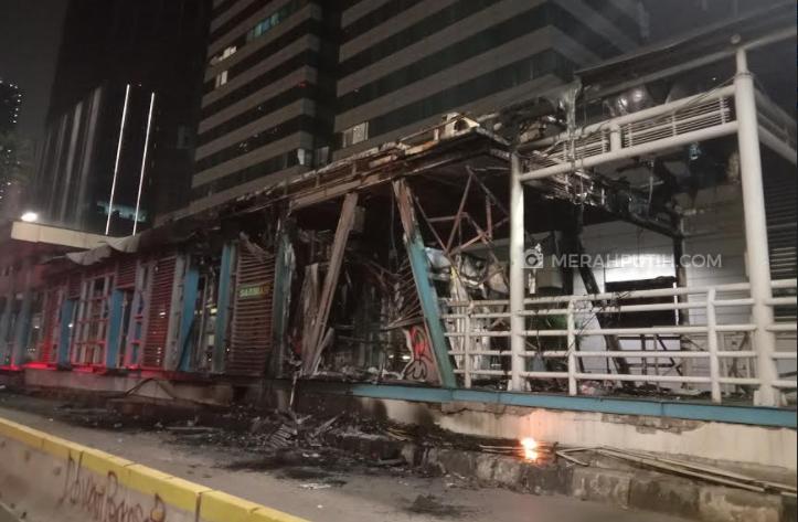 20 Halte Transjakarta Rusak Pasca Demo Rusuh, Anies Rugi Rp55 Miliar