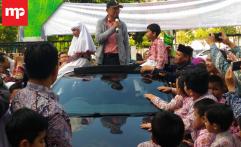 Gugah Semangat Anak SD, Dahlan Iskan Pamerkan Mobil Listrik