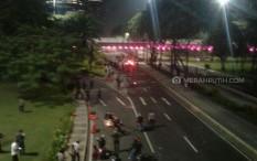 Makin Meluas, Bentrokan Massa Demo Omnibus Law Terjadi di Semanggi dan Taman Sari