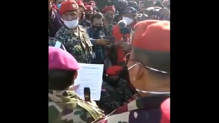 Tangkapan layar Purnawirawan TNI gelar aksi di TMP Kalibata, Jakarta Selatan, Rabu (20/9). Foto: Istimewa